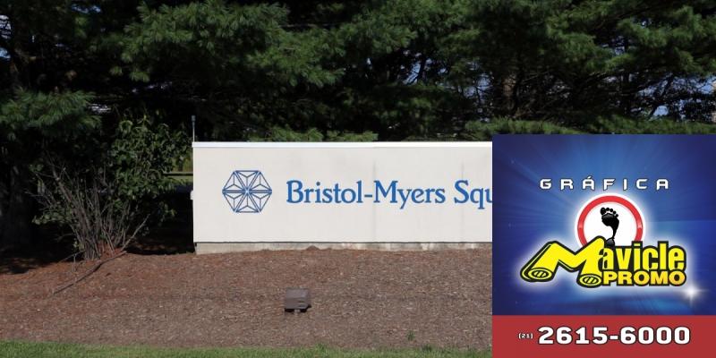 Bristol Myers Squibb assinatura da carta pela igualdade social   Guia da Farmácia   Imã de geladeira e Gráfica Mavicle Promo