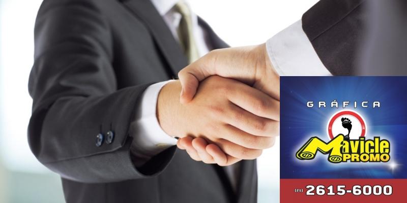 Johnson & Johnson vende a LifeScan   Guia da Farmácia   Imã de geladeira e Gráfica Mavicle Promo
