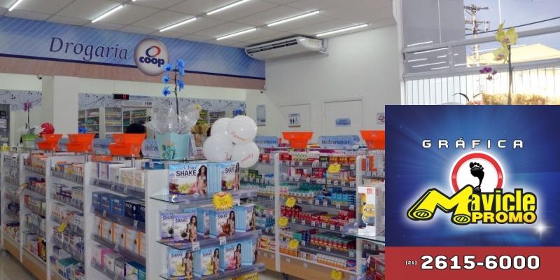 Farmácias Coop investe R$ 1,3 milhão na loja da rua   Guia da Farmácia   Imã de geladeira e Gráfica Mavicle Promo