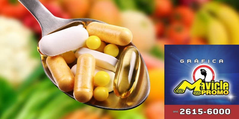 DPSP cria a sua própria marca de vitaminas   Guia da Farmácia   Imã de geladeira e Gráfica Mavicle Promo