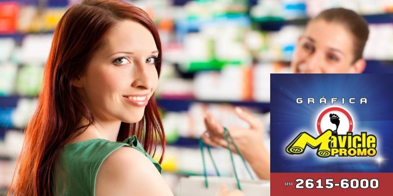 A pesquisa aponta que os brasileiros esperam que a experiência de compras   Imã de geladeira e Gráfica Mavicle Promo